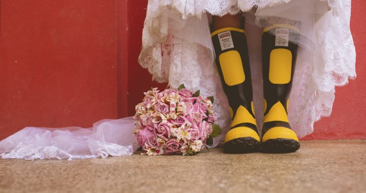 weddings boots bouquet