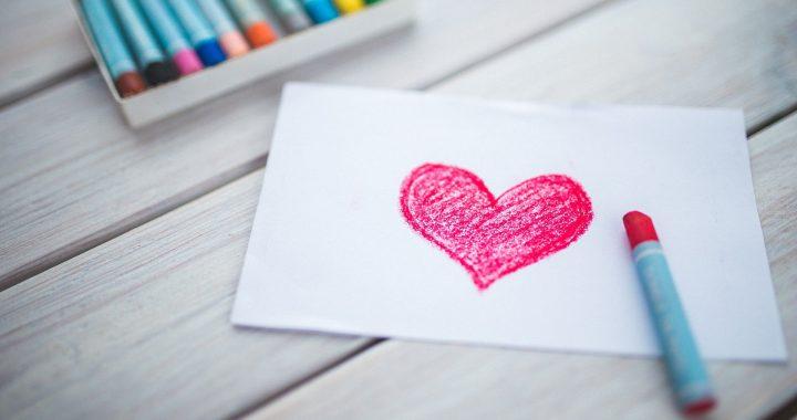love heart pastel crayons